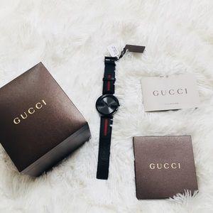 Gucci GG interlocking watch